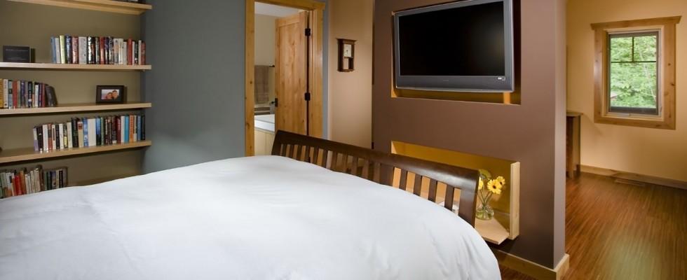 Larson_Bedroom